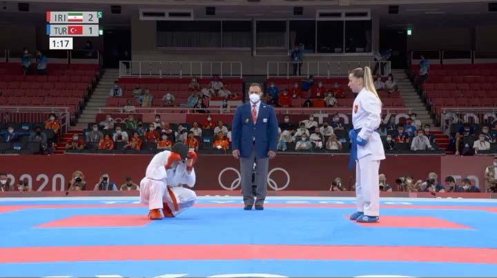 کاراته المپیک توکیو سارا بهمنیار مقابل حریفی از ترکیه