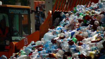 ۵. دنیایی پُر از پلاستیک